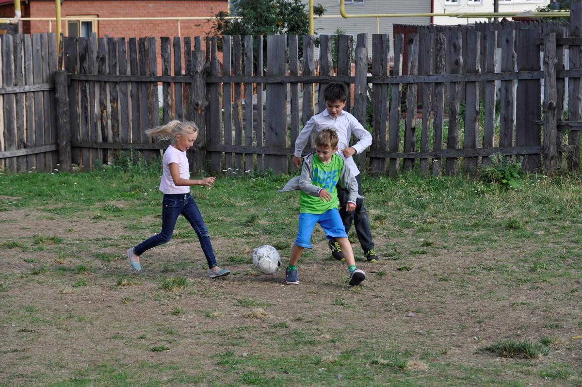 Будущие футболисты.